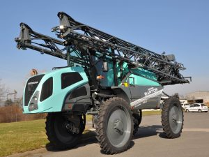 Ridgeway Sprayers | The Berthoud Raptor Dark Sprayer