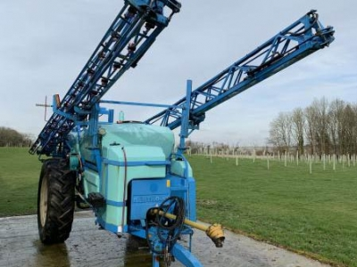 Berthoud Racer 3200lt 30mt Trailer Sprayer