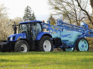 Ridgeway Sprayers | The Berthoud Elyte Sprayer working hard