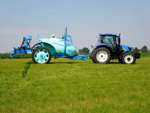Ridgeway Sprayers | The Berthoud Tracker Sprayer used for farming